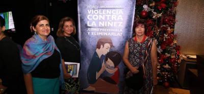 Diana Sandoval, Martha Jiménez y Raquel Díaz de la Rosa.