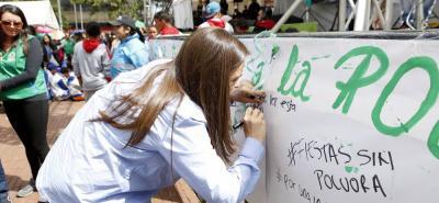 El Instituto Colombiano de Bienestar Familiar (Icbf) lanzó una campaña a nivel nacional para concientizar a la población sobre los peligros que representa usar pólvora.