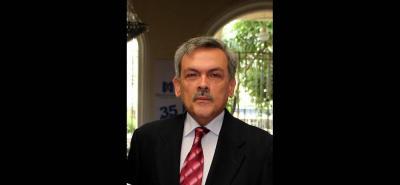 Bacteriólogo, Fernando Higuera Escalante.