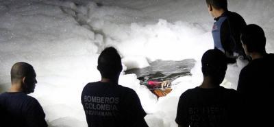 Con equipos especiales, el Cuerpo de Bomberos de Bucaramanga logró rescatar el cadáver de Fabián Torres García.