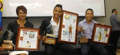 El nadador paralímpico Carlos Daniel Serrano Zárate fue proclamado en 2016 como el Deportista del Año - Vanguardia Liberal, siendo acompañado en el podio final por la ciclista Ana Cristina Sanabria y el nadador paralímpico Nelson Crispín.