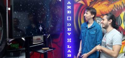 En la Universidad Autónoma de Bucaramanga, Unab, se habilitó un moderno laboratorio de cómputo y de alto rendimiento, en donde los alumnos aprenden jugando.