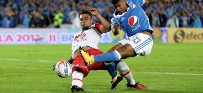 En un partido cerrado y con pocas aproximaciones en las áreas, Millonarios se impuso 1-0 sobre Santa Fe, mediante un gol del defensor central Matías de los Santos.