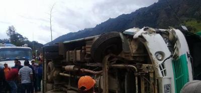El accidente de tránsito se presentó en el kilómetro 55 de la vía Curos - Málaga.