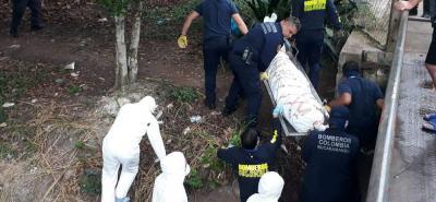 El cadáver llevaba más de 5 días de fallecido. Esto ha dificultado su identificación. Solo se sabe que era de sexo masculino.