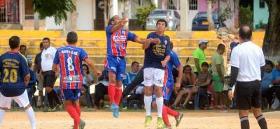 Un muy buen y entretenido partido protagonizaron los equipos de El Palacio de las Latas - Aguardiente Antioqueño - Publicidad Ruiz y Remates Wilson Chaparro Valero, que empataron a dos tantos en la primera fecha de la Copa Sénior Máster de Fútbol en la cancha de Manzanares.