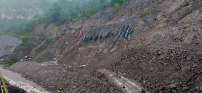 La Concesión Ruta del Cacao recuerda que el paso en el sector se cierra de manera inmediata cuando se registran fuertes lluvias como medida preventiva para evitar accidentes.