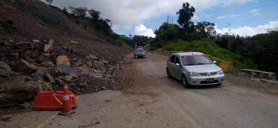 Sobre esta vía solo se permite el tránsito de vehículos de hasta segunda categoría, como camiones de dos ejes, buses y automóviles particulares.