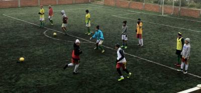 La selección Santander de fútbol infantil adelantó una parte de su preparación en Vetas, a más de 3.000 metros sobre el nivel del mar, para afrontar el zonal en Tunja.