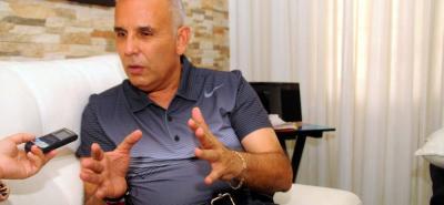 Darío Echeverri, alcalde de Barrancabermeja, es investigado por cuanto presuntamente su administración habría falsificado la identidad de más de 3.000 niños, para legalizar un contrato.