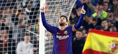 Messi y Suárez guiaron al Barcelona en la goleada 5-0 sobre Betis