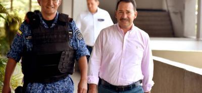 El exdirector de la Corporación Autónoma Regional de Santander, Héctor Murillo, quien fue imputado junto a otras dos personas por tres delitos, entre ellos peculado por apropiación.