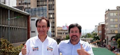 Los aspirantes al Congreso, Óscar Villamizar y Quintín Herrera recorrieron las calles de Bucaramanga presentando su alianza electoral.