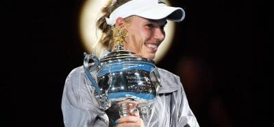 La danesa Caroline Wozniacki logró ayer ganar su primer Grand Slam de su carrera, al ganar el Abierto de Australia ante la rumana Simona Halep.
