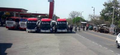 Cerca de 57 buses que salen de Bucaramanga a diario se vieron afectados por los atentados del Eln.