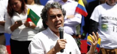 Sergio Fajardo aseguróque en las próximas semanas dará a conocer el nombre de su fórmula vicepresidencial, cargo que será para una mujer.