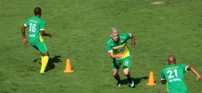 El atacante Michael Rangel sueña con debutar oficialmente con el Atlético Bucaramanga. El futbolista pasó por varios de los principales equipos del país, entre ellos Atlético Nacional, Millonarios y Junior de Barranquilla.