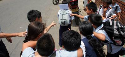 Las autoridades del municipio invitan a los padres de familia a estar pendientes de los comportamientos de sus hijos.