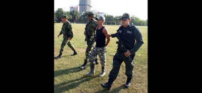 Ayer fue presentado por autoridades militares y de Policía alias 'Juan David', presunto hombre fuerte del Eln en el sur de Bolivar.