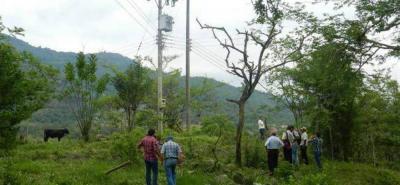 Familias de la vereda El Jaral de San Gil denuncian que llevan desde el pasado 9 de febrero del presente año se presentan interrupciones continuas en el servicio de energía aléctrica.