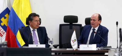 Los fiscales Néstor Humberto Martínez, de Colombia y Carlos Baca Mancheno, de Ecuador, se reunieron para crear estrategias conjuntas de lucha contra la delincuencia transnacional.