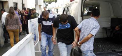 Los tres hombres de 27, 40 y 45 años fueron enviados a prisión, bajo medida de aseguramiento.