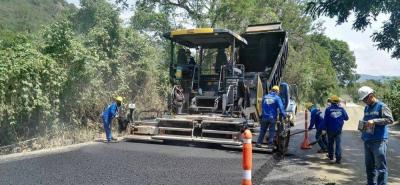 La pavimentación de vías en el país podría contener caucho natural. Colombia tiene dos licencias para ese propósito.