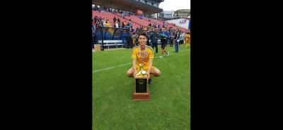 El joven central santandereano Daniel Andrés Sandoval Moncada integró la nómina de Tigres que ganó la Dallas Cup.