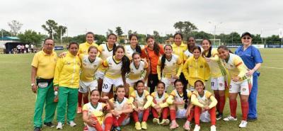 Esta es la selección Santander femenina infantil de fútbol que está haciendo historia en Paraguay, en donde se clasificó a semifinales de la Copa Conmebol en categoría sub 14.