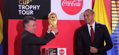 El trofeo de Rusia 2018 llegó este miércoles a Bogotá