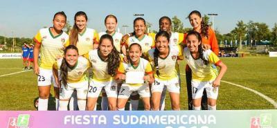 Con una contundente victoria 9-0 sobre Puerto Cabello de Venezuela, la selección Santander Sub 14 se clasificó a la final de la Copa Conmebol Femenina que se juega en Paraguay.