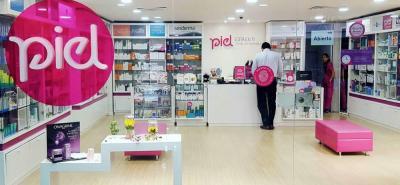 'Piel Tienda Dermatológica' y 'Cutis Store' son dos marcas propias de Dermoriente, creadas para ofrecer servicio personalizado y especializado tanto en tratamientos de salud para la piel como de belleza y cosméticos.