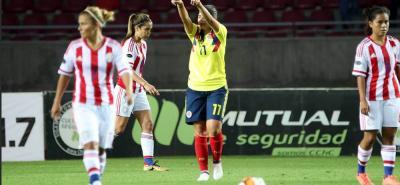 Con Catalina Usme como gran figura, la selección Colombia Femenina de mayores sigue su paso victorioso en la Copa América que se disputa en Chile, al golear ayer 5-1 a su similar de Paraguay. Catalina anotó tres de esos goles y ya lleva ocho tantos en el torneo.