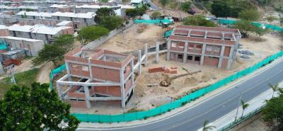 Se ha ejecutado el 38% del proyecto, ya que se hizo un adicional al mismo. En la foto se observa el estado de la obra de la Biblioteca Ciudadela Nuevo Girón.