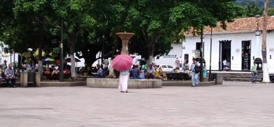 Las gitanas en el parque principal que ofrecen leer la mano a los visitantes es uno de los atractivos turísticos que tiene la localidad.