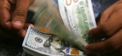 El dólar ha bajado más 100 pesos durante esta semana que abrió el lunes en 2.791 pesos.