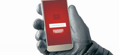 la forma más fácil para protegerse de riesgos de seguridad es equipar su teléfono con un programa de antivirus de performance. En muchas veces son servicios gratuitos que previenen de phishing y spam que pueden infectar su celular.