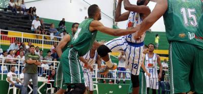 El quinteto santandereano de New Leopardos & Caribean Heat hizo valer su condición de local en el tercer cuadrangular de la Copa Nacional de Baloncesto y logró dos victorias en los tres partidos disputados en el coliseo Vicente Díaz Romero.