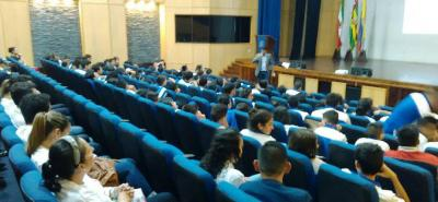 En la charla realizada ayer en el auditorio cultural Gonzalo Prada Mantilla, hubo capacitación en cultura ciudadana además de pautas para mejor movilidad de los bici-usuarios.