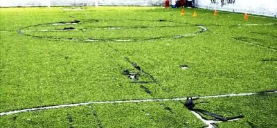 Esta es la apariencia actual de la cancha de microfútbol del barrio El Refugio.