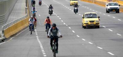 Durante el Día sin Carro centenares de biciusuarios utilizaron corredores como la Autopista y la carrera 27, donde el mismo POT establece algunas restricciones para hacer ciclorrutas.