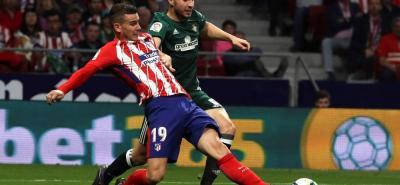 Atlético de Madrid no pudo en casa ente el Betis y prácticamente le dejó el título de la Liga Española servido al Barcelona.
