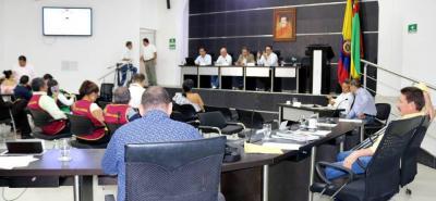 En la primera parte del debate control, los corporados escucharon las alternativas de los municipios del área metropolitana para dar solución al tema de basuras.
