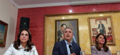 El jefe máximo del Centro Democrático, el senador Álvaro Uribe, salió a defender la decisión de la campaña de Iván Duque de aceptar la adhesión de la exfiscal Viviane Morales.