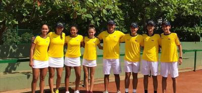 Estos son los dos equipos colombianos (damas y varones) que representarán a Colombia en el Suramericano Sub 14 de Tenis en Guayaquil, Ecuador. La delegación viajará el sábado.