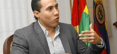 Por irregularidades contractuales, la Procuraduría sancionó en primera instancia al exgobernador Richard Aguilar y al exsecretario General de Santander, Jairo Jaimes Yáñez.