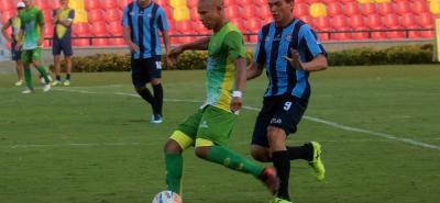 El mediocampista Jonathan Estrada, de destacada actuación en el pasado con Tolima, Millonarios y Patriotas, en Bucaramanga no rindió como se esperaba.