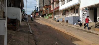 La Administración municipal garantizará la reposición total de la estructura del pavimento, para que se ajuste a las condiciones del tráfico que soporta.
