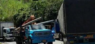Un muerto tras accidente múltiple en la vía Curos-Piedecuesta