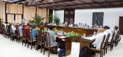 Las delegaciones negociadoras del Gobierno colombiano y el Ejército de Liberación Nacional, Eln, anunciaron la suspensión de diálogos durante las elecciones presidenciales.